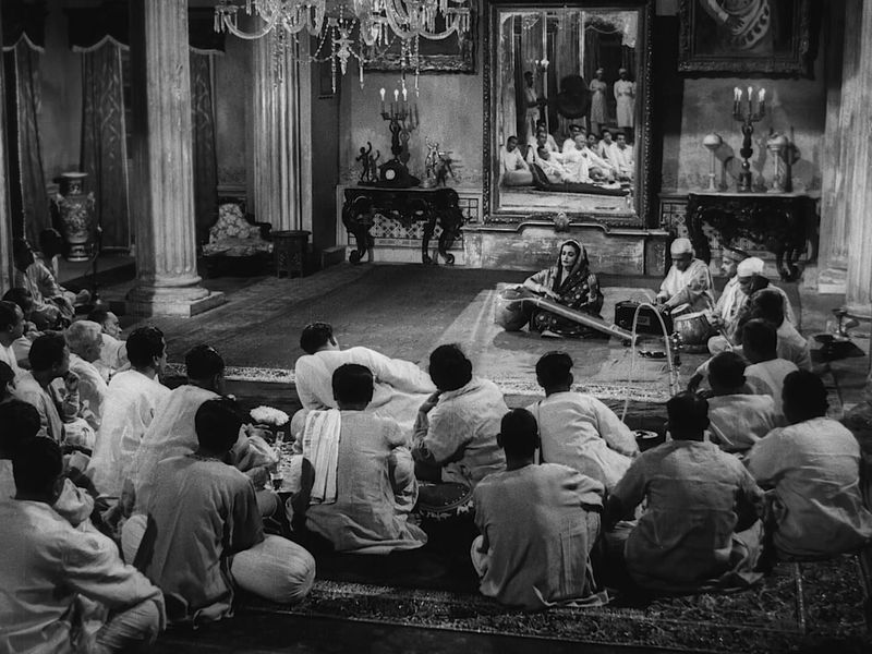 The Music Room (1958) Criterion BluRay 1080p AC3 x264.mkv_snapshot_00.15.37_[2011.09.06_10.45.14]