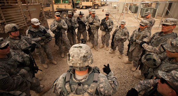 111221_iraq_soliders_ap_328