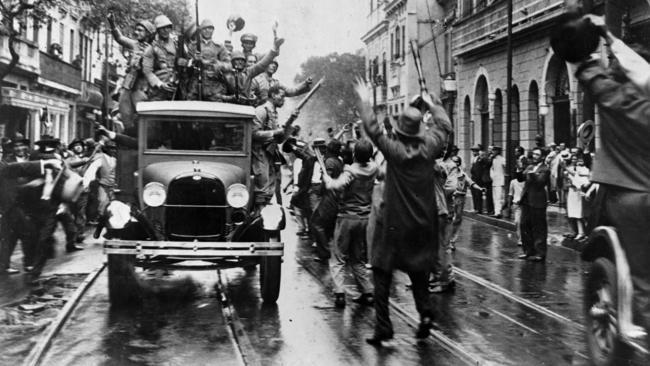La-fg-brazil-coup-photos-20160401-thumbnail