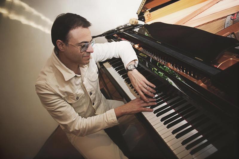 Cartier-drive-bertrand-burgalat-piano
