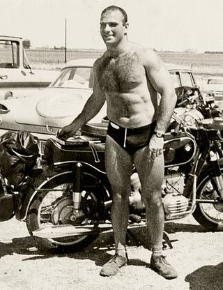 553eb75edb753b82389c80a4_oliver-sacks-autobiography-memoir-five-seconds-my-own-life-02
