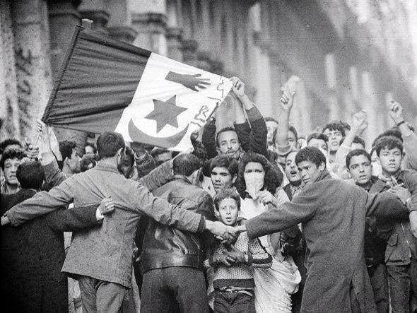 Manifestation_nationalistes_du_8_mai_1945_Sétif